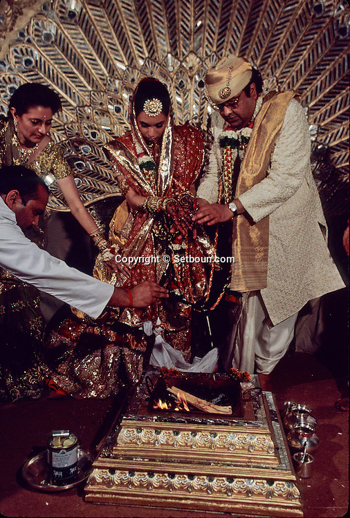 wedding of the Mafatlal, Indians billionaires. hindu religious ceremony at the taj Mahal hotel  Bombay Mumbay  India     /// Mariage des Mafatlal, milliardaires indiens, ceremonie religieuse hindou au Taj Mahal hotel  Bombay Mumbay  Inde   /// R00003/    L005363  /  R02005  /  P121201