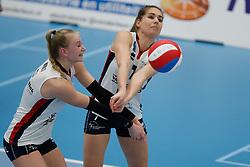 20190112 NED: Sliedrecht Sport - VC Sneek: Sliedrecht<br />Christie Wolt (1) of Sliedrecht Sport, Esther van Berkel (7) of Sliedrecht Sport <br />©2019-FotoHoogendoorn.nl / Pim Waslander