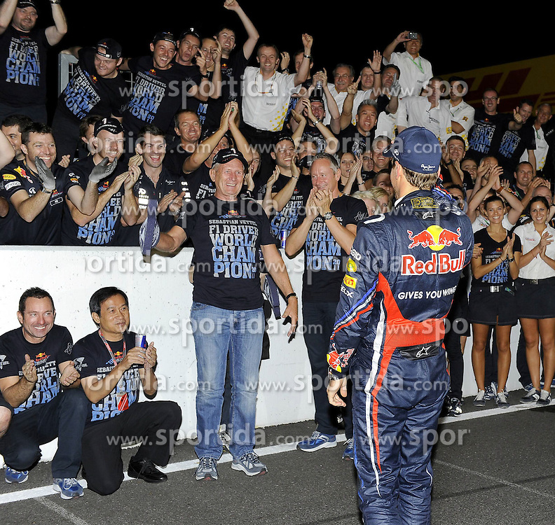 09.10.2011, Suzuka International Racing Course, Suzuka, JPN, F1, Grosser Preis von Japan, Suzuka, im BildHelmut Marko (AUT), Red Bull Racing, Red Bull Advisor  - Sebastian Vettel (GER), Red Bull Racing - Adrian Newey (GBR), Red Bull Racing (ex. McLaren), Technical Operations Director// during the Formula One Championships 2011 Large price of Suzuka held at the Suzuka International Racing Course, 2011-10-09  EXPA Pictures © 2011, PhotoCredit: EXPA/ nph/  Dieter Mathis        ****** only for AUT, POL & SLO ******