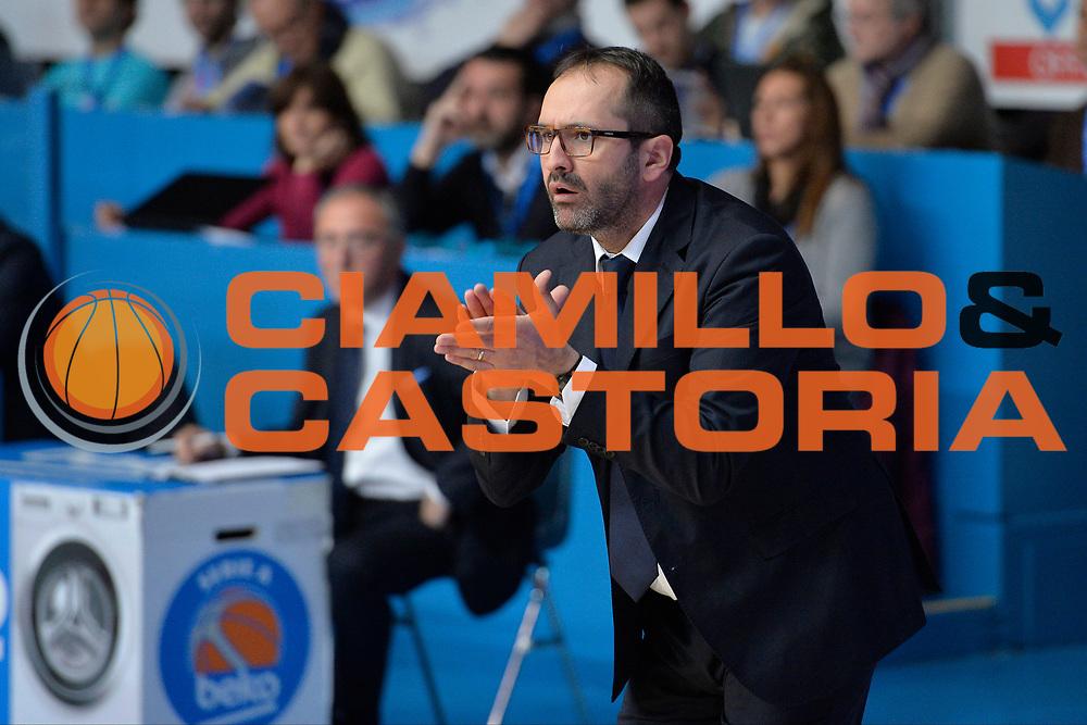 DESCRIZIONE : Cantu Lega A 2015-16 Acqua Vitasnella Cantu'-Betaland Capo d'Orlando<br /> GIOCATORE : Di Carlo Gennaro<br /> CATEGORIA : Coach <br /> SQUADRA : Betaland Capo d'Orlando<br /> EVENTO : Campionato Lega A 2016-2016<br /> GARA : Acqua Vitasnella Cantu' Betaland Capo d'Orlando<br /> DATA : 17/01/2016<br /> SPORT : Pallacanestro <br /> AUTORE : Agenzia Ciamillo-Castoria/I.Mancini<br /> Galleria : Lega Basket A 2015-2016  <br /> Fotonotizia : Cantu Lega A 2015-16 Acqua Vitasnella Cantu' Betaland Capo d'Orlando<br /> Predefinita :