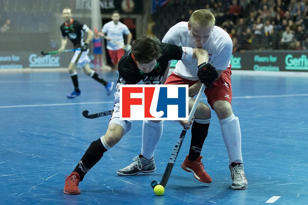 Hockey, Seizoen 2017-2018, 08-02-2018, Berlijn,  Max-Schmelling Halle, WK Zaalhockey 2018 MEN, Poland - Germany 3-6, ZWICKER Martin (GER) en MAKOWSKI Krystian (POL).