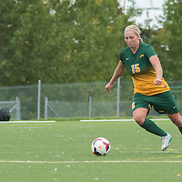 5th year defender Racquel Marshall (15) of the Regina Cougars during the Women's Soccer home game on September 11 at U of R Field. Credit: Arthur Ward/Arthur Images