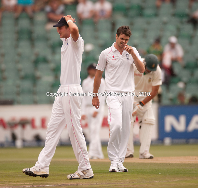 Frustration shows after James Anderson appeals in vain for the wicket of Graeme Smith during the fourth and final Test Match between South Africa and England at the Wanderers Stadium, Johannesburg. Stuart Broad is on the right. Photograph © Graham Morris/cricketpix.com (Tel: +44 (0)20 8969 4192; Email: sales@cricketpix.com)