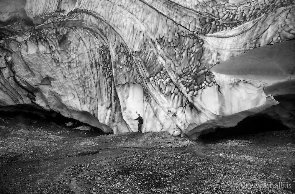 Glacier at the geothermal area Hrafntinnusker, highlands of Iceland - Jarðhitasvæðið við Hrafntinnuske, Ragnar Axelsson