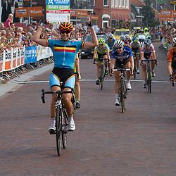 WIELRENNEN BOELS RENTAL LADIESTOER, GENNEP: de Belgiscvhe Kelly Druyts wint de 4e etappe