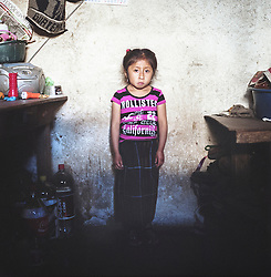 Pascual Lopez Pup, 6 years old, lives with her mother, father and younger sister in the village of La Cumbre, Cerro de Oro. Her father works as day laborer on various farms in the area, but the salary is never enough. Most of his small salary will be spent on alcohol.
