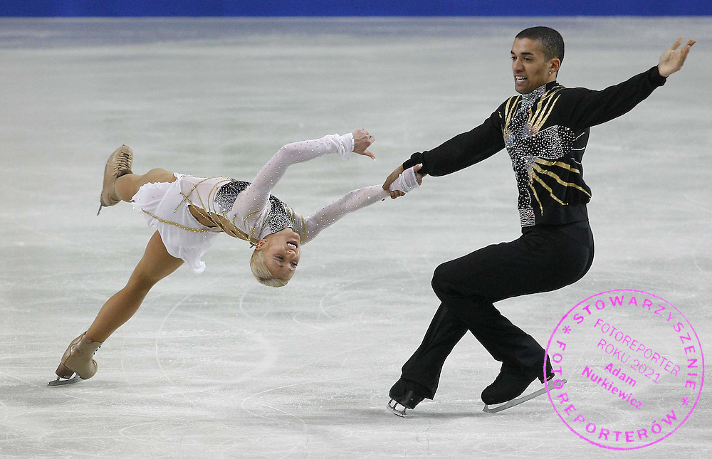 WARSAW 24/01/2007..EUROPEAN FIGURE SKATING CHAMPIONSHIPS 2007..ALIONA SAVCHENKO _ ROBIN SZOLKOWY of Germany  perform pairs free program of the European Figure Skating Championships at the Torwar ice rink in Warsaw ..FOT. PIOTR HAWALEJ / WROFOTO