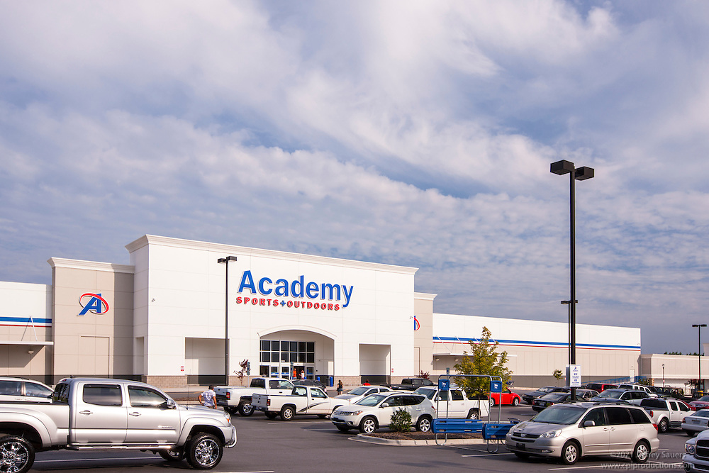 Retail center exterior photo of Valley Crossing Shopping Center in Hickory North Carolina by Jeffrey Sauers of Commercial Photographics