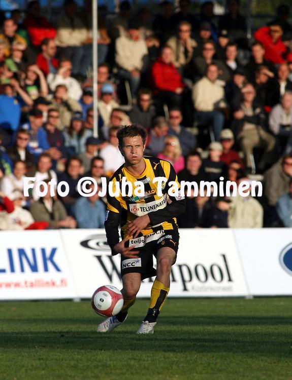 10.05.2006, Tapiolan Urheilupuisto, Espoo, Finland..Veikkausliiga 2006 - Finnish League 2006.FC Honka - FF Jaro.Hannu Patronen - Honka.©Juha Tamminen.....ARK:k