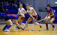 ROTTERDAM - Halve finale tussen de vrouwen van MOP en SCHC Landskampioenschap zaalhockey hoofdklasse hockey. FOTO KOEN SUYK