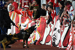 Police guard dogs bark at Cologne fans in the crowd - Mandatory by-line: Patrick Khachfe/JMP - 14/09/2017 - FOOTBALL - Emirates Stadium - London, England - Arsenal v Cologne - UEFA Europa League Group stage