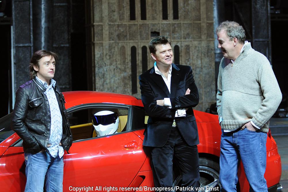 Top Gear Live World Tour in de RAI .<br /> <br /> op de foto:<br /> <br />  Beau van Erven Dorens samen met  Jeremy Clarkson , Richard Hammond