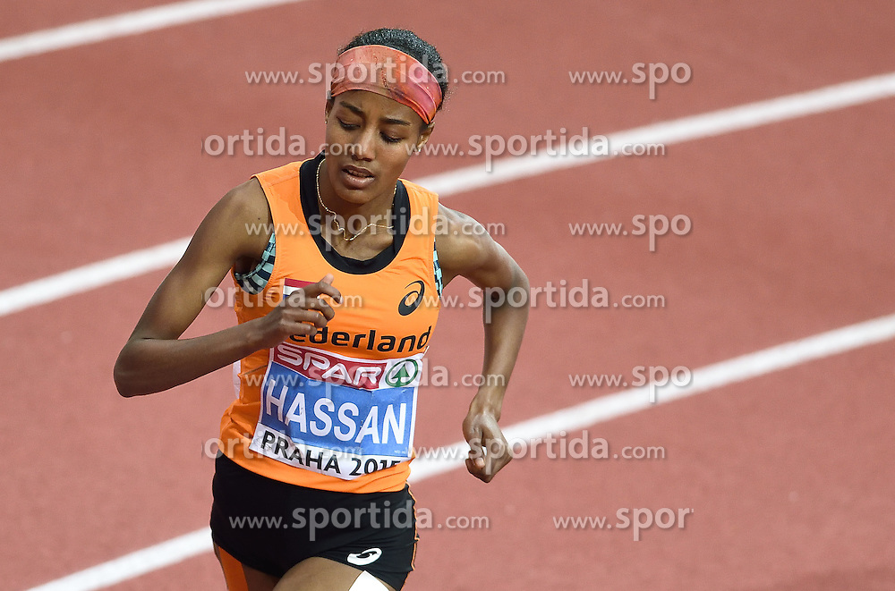 08-03-2015 CZE: European Athletics Indoor Championships, Prague<br /> Sifan Hassan pakt goud op het EK indoor