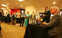 Photo: Andrew Unwin, Digitalsport<br /> Sir Bobby Robson book signing.<br /> 04/08/2005.<br /> Sir Bobby Robson signs copies of his autobiography at Waterstones in Durham.
