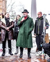 26.01.2019, Rasmushof Alm, Kitzbühel, AUT, FIS Weltcup Ski Alpin, Pressekonferenz, Arnold Schwarzenegger präsentiert eigenen Ski im Stil seines R20 Austrian World Summit, im Bild v.l.: Arnold Schwarzenegger, Johan Eliasch (CEO Head) // f.l.: Arnold Schwarzenegger Johan Eliasch (CEO Head) during a press conference, Arnold Schwarzenegger presents own skis in the style of his R20 Austrian World Summit at the Rasmushof Alm in Kitzbühel, Austria on 2019/01/26. EXPA Pictures © 2019, PhotoCredit: EXPA/ JFK