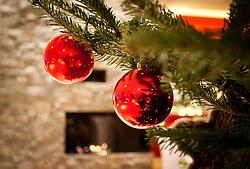 THEMENBILD - WEIHNACHTEN, weihnachtliche Dekoration, Christbaumkugeln, Bild am 02.12.2010 aufgenommen, EXPA Pictures © 2011, PhotoCredit: EXPA/ J. Feichter