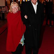 NLD/Den Haag/20110117 - Premiere film Sonny Boy, Jeroen Krabbe en partner Herma