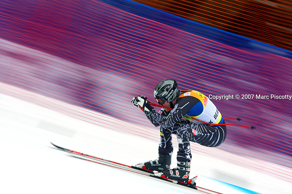 SHOT 11/29/2007 - U.S. skier Marco Sullivan speeds towards the finish line during the downhill run of the Men's Super Combined at the 2007/08 Charles Schwab Birds of Prey ski race in Beaver Creek, Co. The event was won by Swiss skiier Daniel Albrecht (2:00.26) with French skiier Jean-Baptiste Grange finishing second (2:00.93) and Czech skiier Ondrej Bank finishing third ((2:01.23). US skiier Bode Miller finished just out of the medals in fourth (2:01.28) and Ted Ligety finished eighth (2:01.67). Thomas (TJ) Lanning finished tenth (2:01.89). Sullivan was knocked out of the event because he didn't even start the slalom run in the event..(Photo by Marc Piscotty/ © 2007)