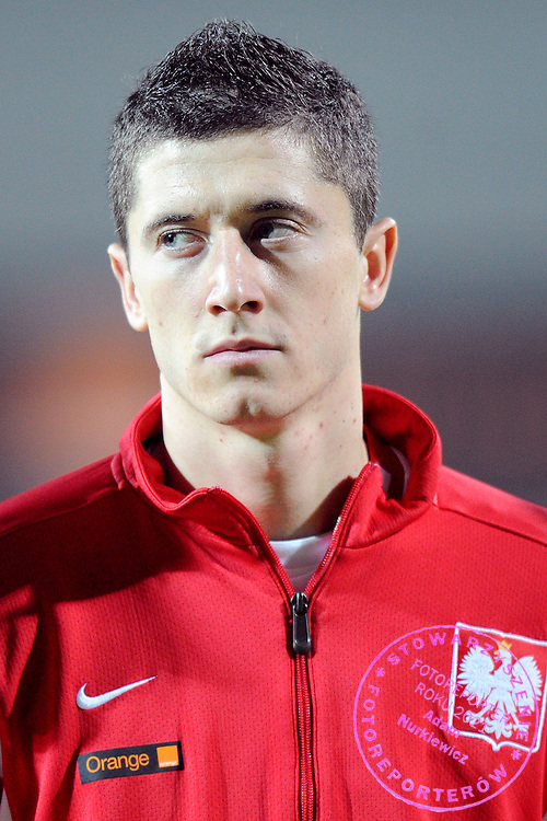 ROBERT LEWANDOWSKI DURING FRIENDLY SOCCER MATCH BETWEEN POLAND AND ROMANIA AT THE LEGIA STADIUM IN WARSAW , POLAND...POLAND , WARSAW , NOVEMBER 14, 2009..( PHOTO BY ADAM NURKIEWICZ / MEDIASPORT )..PICTURE ALSO AVAIBLE IN RAW OR TIFF FORMAT ON SPECIAL REQUEST.