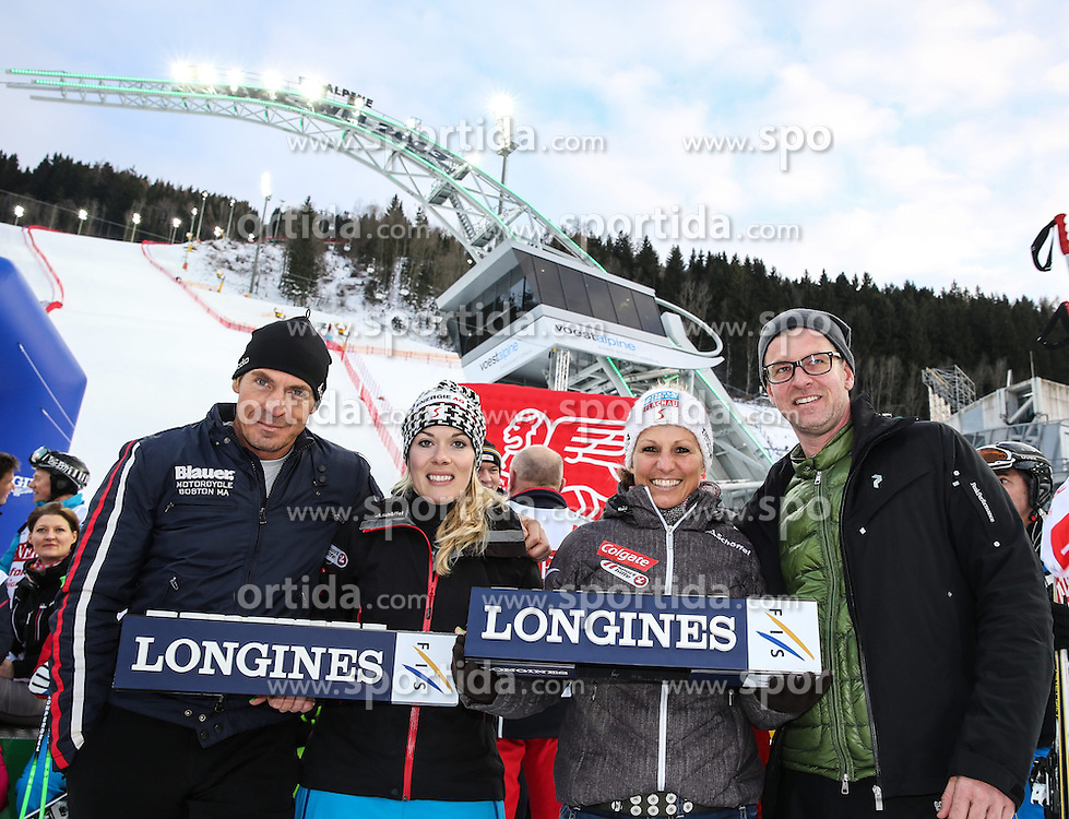 26.01.2015, Planai, Schladming, AUT, FIS Weltcup Ski Alpin, Slalom, Herren, Charity Race SKI FOR GOLD der Oesterreichischen Sporthilfe, im Bild zwei Fuehrungskraefte von Longines mit den Weltmeisterinnen Andrea Limbacher, Snow Cross, und Claudia Riegler, Snowboard // at the Charity Race SKI FOR GOLD prior to the Schladming FIS Ski Alpine World Cup 2015 at the Planai course in Schladming, Austria on 2015/01/26. EXPA Pictures © 2015, PhotoCredit: EXPA/ Martin Huber