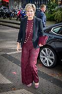 """DEN HAAG - Foto's Prinses Laurentien met familie ontvangt prijs meest invloedrijke filantroop  Prinses Laurentien en haar man  prins Constantijn   en haar ouders Laurens Jan Brinkhorst in sociëteit de witte in den haag tijdens de prijs uitreiking Prinses Laurentien is uitgeroepen tot de meest invloedrijke speler in de wereld van filantropie. Opinieblad De Dikke Blauwe heeft de echtgenote van prins Constantijn bovenaan de lijst geplaatst van honderd Nederlanders die impact hebben gerealiseerd met geld (van anderen of van zichzelf) of met baanbrekende ideeën.Copyright Robin Utrecht <br /> Witte Princess Laurentien during the ceremony of """"most influential player in the Dutch philanthropy 2017-2018"""" in Societeit De Witte in The Hague.<br /> The princess, on top of the new annual ranking of the philanthropy magazine De Dikke Blauwe, was choosen for her groundbreaking work for children in her Missing Chapter Foundation."""