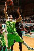 DESCRIZIONE : Siena Eurolega 2009-10 Montepaschi Siena Asvel Basket Villeurbanne<br /> GIOCATORE : Romain Sato Mindaugas Lukauskis<br /> SQUADRA : Montepaschi Siena  Asvel Basket Villeurbanne<br /> EVENTO : Eurolega 2009-2010<br /> GARA : Montepaschi Siena  Asvel Basket Villeurbanne<br /> DATA : 16/12/2009 <br /> CATEGORIA : tiro rimbalzo stoppata<br /> SPORT : Pallacanestro <br /> AUTORE : Agenzia Ciamillo-Castoria/P.Lazzeroni<br /> Galleria : Eurolega 2009-2010 <br /> Fotonotizia : Siena Eurolega 2009-10 Montepaschi Siena  Asvel Basket Villeurbanne<br /> Predefinita :