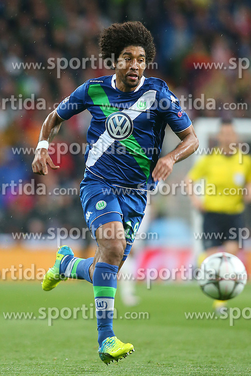 12.04.2016, Estadio Santiago Bernabeu, Madrid, ESP, UEFA CL, Real Madrid vs VfL Wolfsburg, Viertelfinale, Rueckspiel, im Bild WfL Wolfsburg's Dante // during the UEFA Champions League Quaterfinal, 2nd Leg match between Real Madrid and VfL Wolfsburg at the Estadio Santiago Bernabeu in Madrid, Spain on 2016/04/12. EXPA Pictures &copy; 2016, PhotoCredit: EXPA/ Alterphotos/ Acero<br /> <br /> *****ATTENTION - OUT of ESP, SUI*****