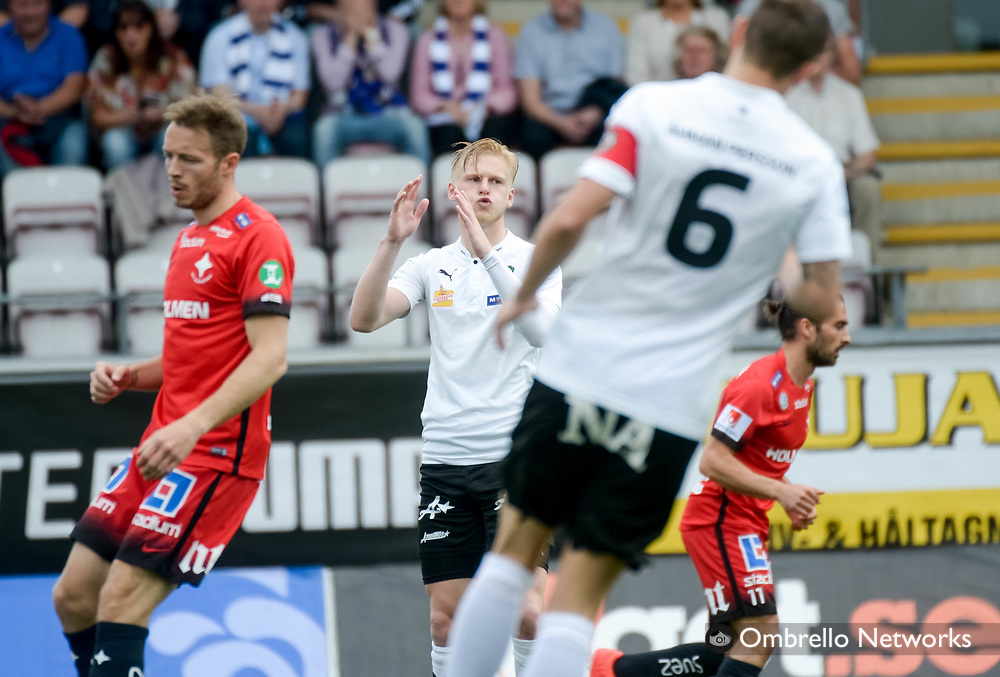 ÖREBRO, SWEDEN - MAY 22: Kalle Holmberg of Örebro SK is dejected during the allsvenskan match between Örebro SK and IFK Norrköping at Behrn Arena on May 22, 2016 in Örebro, Sweden. Foto: Pavel Koubek/Ombrello