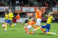 ROTTERDAM - Nederland - Zweden , Voetbal , Seizoen 2015/2016 , damesvoetbal , vrouwen , Olympisch kwalificatie toernooi , Sparta Stadion het Kasteel , 09-03-2016 , Nederland speelster Vivianne Miedema (2e r) scoort de 1-0