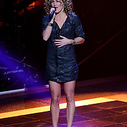 NLD/Hilversum/20121109 - The Voice of Holland 1e liveuitzending, Nina van Dijk