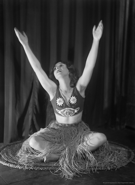 Betty Chester, actress,  star in The Co-Optimists, England, 1920