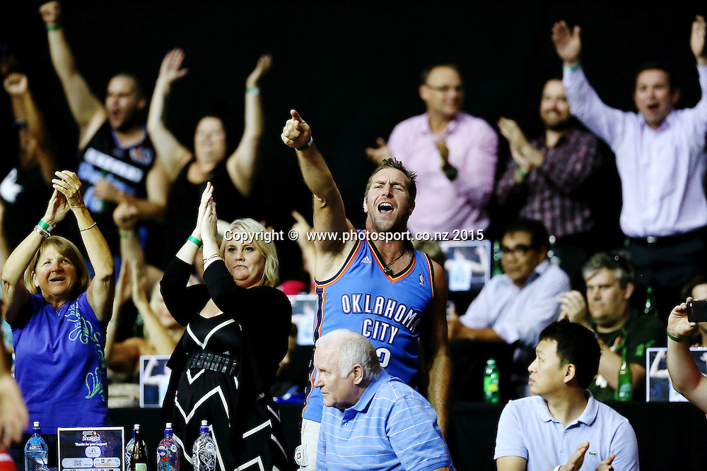 Breakers fans enjoying the action. 2014/15 ANBL, SkyCity Breakers vs Wollongong Hawks, North Shore Events Centre, Auckland, New Zealand. Thursday 8 January 2015. Photo: Anthony Au-Yeung / www.photosport.co.nz