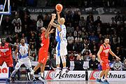 DESCRIZIONE : Beko Legabasket Serie A 2015- 2016 Dinamo Banco di Sardegna Sassari - Openjobmetis Varese<br /> GIOCATORE : David Logan<br /> CATEGORIA : Tiro Tre Punti Three Point Controcampo<br /> SQUADRA : Dinamo Banco di Sardegna Sassari<br /> EVENTO : Beko Legabasket Serie A 2015-2016<br /> GARA : Dinamo Banco di Sardegna Sassari - Openjobmetis Varese<br /> DATA : 07/02/2016<br /> SPORT : Pallacanestro <br /> AUTORE : Agenzia Ciamillo-Castoria/C.Atzori
