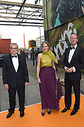 Koningin M&aacute;xima reikt op donderdag 26 mei in Eindhoven de Koning Willem I Prijs 2016 en de Koning Willem I Plaquette voor Duurzaam Ondernemerschap 2016 uit in Radio Royaal, Eindhoven.De Koning Willem I Prijs is een ondernemingsprijs die sinds 1958 tweejaarlijks wordt toegekend door de Koning Willem I Stichting.<br /> <br /> <br /> Queen M&aacute;xima presented on Thursday, May 26 in Eindhoven, the King Willem I Award in 2016 and the King William I Plaque for Sustainable Entrepreneurship 2016 in Radio Generous, Eindhoven.De King Willem I Prize is a company prize awarded biennially since 1958 by King William I Foundation.<br /> <br /> Op de foto: Aankomst Koningin Maxima / Arrival Queen Maxima