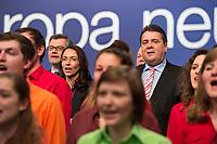 """26 JAN 2014, BERLIN/GERMANY:<br /> Dietmar Nietan, SPD Bundesschatzmeister, Yasmin Fahini, SPD Generalsekretärin, und Sigmar Gabriel, SPD Parteivorsitzender, (v.L.n.R.), singen gemeinsam mit dem Chor """"Wann wir schreiten Seit' an Seit'"""", zum Ende des a.o. SPD Bundesparteitages, Arena Berlin<br /> IMAGE: 20140126-01-347<br /> KEYWORDS: party congress, Parteitag"""