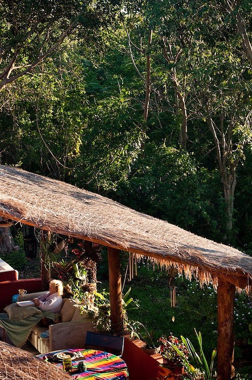 Casa Cachuate, Sandra and Dan Dayton's house and Bed and Breakfast, next door to the Jungle Spa...The Jungle Spa in Puerto Morelos, Mexico, just 20 minutes from Cancun is managed by Sandra Dayton who is also the co-founder of the non-profit organization Lu'um K'aa Nab that helps mayan women make a living for them selves by selling handicraft and giving mayan massage at the Jungle Spa.