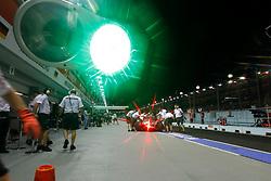 Motorsports / Formula 1: World Championship 2010, GP of Singapore, feature, traffic lights, Ampel, Licht, gruen, green