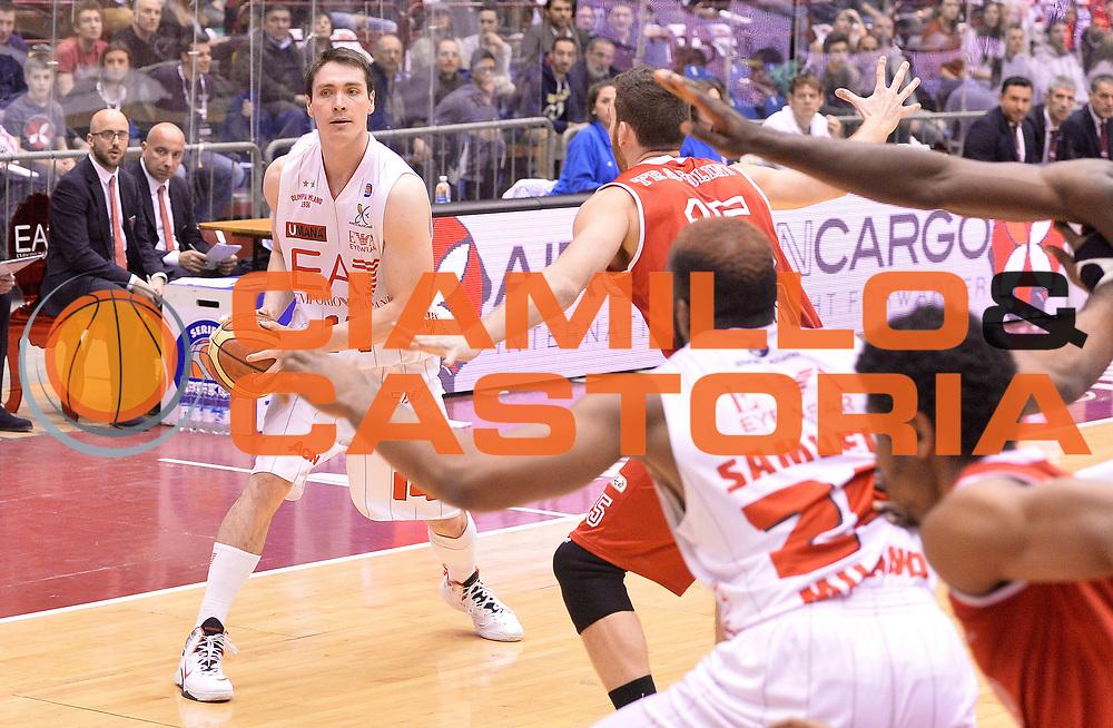 DESCRIZIONE : Milano Lega A 2013-14 EA7 Emporio Armani Milano Victoria Libertas Pesaro<br /> GIOCATORE : Kristjan Kangur<br /> CATEGORIA : palleggio<br /> SQUADRA : EA7 Emporio Armani Olimpia Milano  <br /> EVENTO : Campionato Lega A 2013-2014<br /> GARA : EA7 Emporio Armani Olimpia Milano  Victoria Libertas Pesaro<br /> DATA : 31/03/2014<br /> SPORT : Pallacanestro <br /> AUTORE : Agenzia Ciamillo-Castoria/R.Morgano<br /> Galleria : Lega Basket A 2013-2014  <br /> Fotonotizia : Milano Lega A 2013-2014 EA7 Emporio Armani Olimpia Milano  Victoria Libertas Pesaro<br /> Predefinita :
