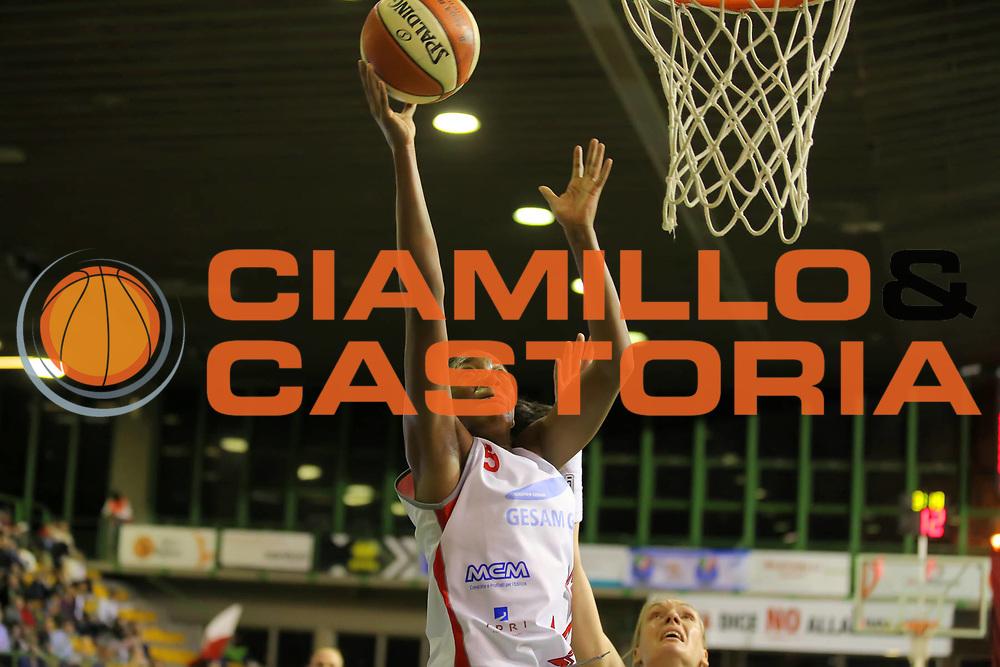 DESCRIZIONE : Lucca Lega A1 Femminile 2012-13 Final Four Coppa Italia 2013 Semifinale Gesam Gas Lucca Lavezzini Parma<br /> GIOCATORE : Adrienne Johnson<br /> SQUADRA : Gesam Gas Lucca<br /> EVENTO : Campionato Lega A1 Femminile 2012-2013 <br /> GARA : Gesam Gas Lucca Lavezzini Parma<br /> DATA : 09/03/2013<br /> CATEGORIA : tiro<br /> SPORT : Pallacanestro <br /> AUTORE : Agenzia Ciamillo-Castoria/ElioCastoria<br /> Galleria : Lega Basket Femminile 2012-2013 <br /> Fotonotizia : Lucca Lega A1 Femminile 2012-13 Final Four Coppa Italia 2013 Semifinale Gesam Gas Lucca Lavezzini Parma<br /> Predefinita :