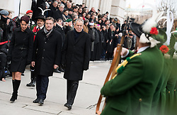26.01.2017, Heldenplatz, Wien, AUT, Parlament, Militärischer Festakt mit Flaggenparade des österreichischen Bundesheeres anlässlich der Angelobung des neuen Bundespräsidenten Van der Bellen, im Bild v.l.n.r. Präsidentin des Bundesrates Sonja Ledl-Rossmann, Bundespräsident Alexander Van der Bellen und Landeshauptmann Tirol Günther Platter (ÖVP) // f.l.t.r. president of the federal council Sonja Ledl-Rossmann, federal president of Austria Alexander Van der Bellen and governor of the province Tyrol Guenther Platter during inauguration ceremony with military honours for the new federal president of austria at Heldenplatz in Vienna, Austria on 2017/01/26, EXPA Pictures © 2017, PhotoCredit: EXPA/ Michael Gruber