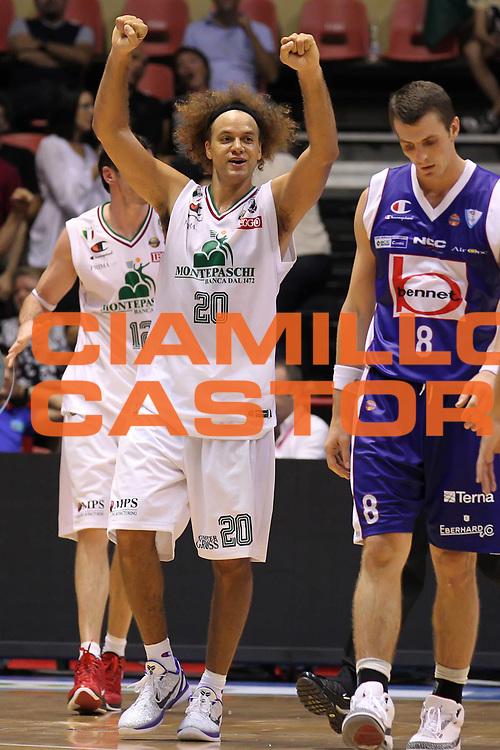 DESCRIZIONE : Forli Lega A 2011-2012 Supercoppa Italiana Montepaschi Siena Bennet Cantu<br /> GIOCATORE : Shaun Stonerook<br /> SQUADRA : Montepaschi Siena<br /> EVENTO : Supercoppa Italiana 2011<br /> GARA : Montepaschi Siena Bennet Cantu<br /> DATA : 01/10/2011<br /> CATEGORIA : esultanza<br /> SPORT : Pallacanestro <br /> AUTORE : Agenzia Ciamillo-Castoria/ElioCastoria<br /> Galleria : Lega Basket A 2011-2012 <br /> Fotonotizia : Forli Lega A 2011-2012 Supercoppa Italiana Montepaschi Siena Bennet Cantu<br /> Predefinita :