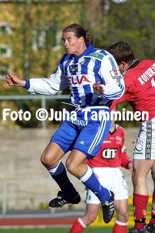 24.05.2001 Pori, Finland. Veikkausliiga, FC Jazz v HJK. Mika Lehkosuo (HJK)..©JUHA TAMMINEN