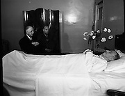 DeValera pays last respect to Sean Lemass.11/05/1971