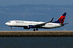 Boeing 737-8EH (N775DE) operated by Delta Air Lines landing at San Francisco International Airport (KSFO), San Francisco, California, United States of America