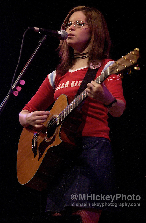 Lisa Loeb performs at Ball State University on April 24, 2002. Photo by Michael Hickey