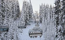 22-01-2016 AUT: Wintersportkamp BvdGF 2016, Flachau<br /> Het wintersportkamp 2016 is een kamp voor 40 kinderen met diabetes type 1 in de leeftijd van 12 t/m 17 jaar / Lift, sneeuw, bomen, Natuur, besneeuwd landschap
