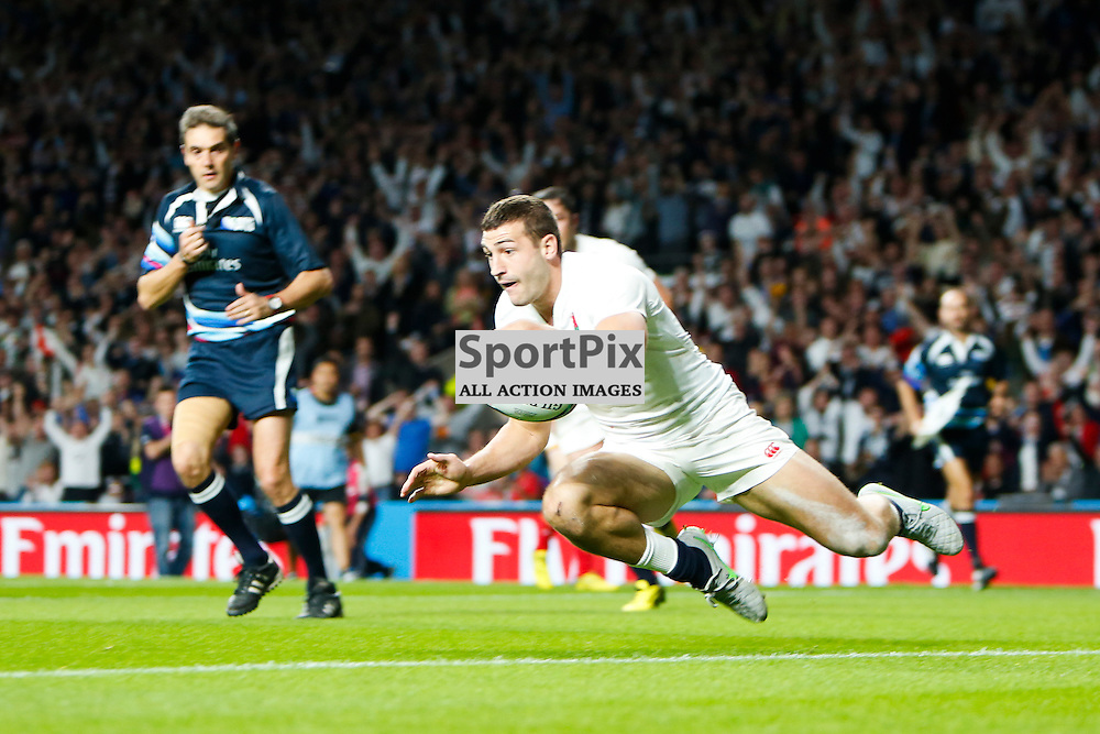 TWICKENHAM, ENGLAND - SEPTEMBER 26:  England's winger Jonny May (11) scores during the 2015 Rugby World Cup Pool A match between England and Wales at Twickenham Stadium on September 26, 2015 in London, England. (Credit: SAM TODD   SportPix.org.uk)