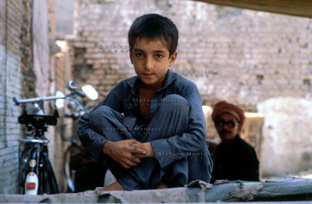 Pakistan  Peshawar  1986..Old City..Teenager..