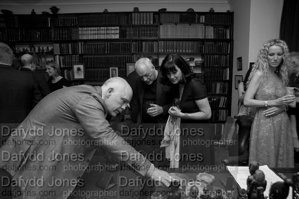 JOHN MALKOVICH; DAVID GILMOUR;POLLY SAMSON; KATE FREUD, Freud Museum dinner, Maresfield Gardens. 16 June 2011. <br /> <br />  , -DO NOT ARCHIVE-© Copyright Photograph by Dafydd Jones. 248 Clapham Rd. London SW9 0PZ. Tel 0207 820 0771. www.dafjones.com.