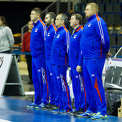 06.01.2016, Max Schmeling Halle, Berlin, GER, CEV Olympia Qualifikation, Frankreich vs Russland, im Bild Vladimir Alenko (Russland) und sein Team // 2016 CEV Volleyball European Olympic Qualification Match between France and Russia at the Max Schmeling Halle in Berlin, Germany on 2016/01/06. EXPA Pictures © 2016, PhotoCredit: EXPA/ Eibner-Pressefoto/ Wuechner<br /> <br /> *****ATTENTION - OUT of GER*****